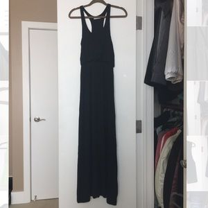 ⚜️ Lush black racer back maxi dress